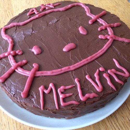 Hello-Kitty-Raw-cake